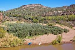 在Verde河亚利桑那的两艘皮船 免版税库存照片