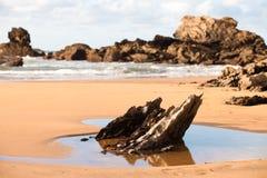 在Verdicio海滩的石头 库存照片