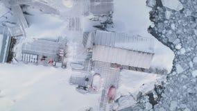 在Vernadsky基地的空中飞行在南极洲 股票视频