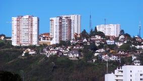 在Viña Del Mar智利小山的大厦  库存图片
