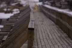 在Vuoksa河的木桥 免版税库存照片