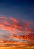 在Waddington的剧烈的多云日出 免版税库存图片