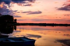 在warachala湖的日落 库存照片