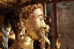 在Wat亚伊柴Mongkhon寺庙的菩萨雕象 库存图片