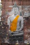 在Wat亚伊Chaimongkol寺庙,阿尤特拉利夫雷斯泰国的老大菩萨图象 免版税库存图片