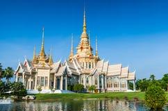 在Wat的地标wat泰国寺庙无在呵叻省的Kum 免版税库存照片