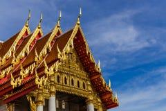 在wat Benchamabophit的屋顶在泰国 库存图片