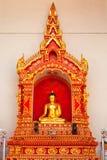 在Wat Chedi Luang,清迈的菩萨雕象 库存图片