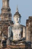 在Wat Mahathat的巨人菩萨在Sukhothai,泰国 库存照片