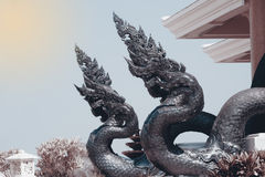 在Wat Pa装饰的泰国艺术监护人蛇Phu Kon,泰国 图库摄影