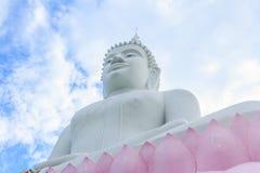 在Wat Phabhatphukham寺庙的菩萨雕象 免版税图库摄影