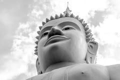 在Wat Phabhatphukham寺庙的菩萨雕象 库存照片