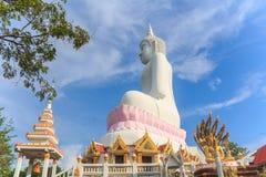 在Wat Phabhatphukham寺庙的菩萨雕象 免版税库存图片