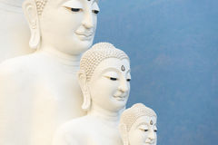 在Wat Phasornkaew寺庙,泰国的五菩萨雕象 免版税库存照片