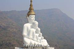 在Wat Phasornkaew的五菩萨雕象 库存照片