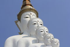 在Wat Phasornkaew的五菩萨雕象 免版税图库摄影