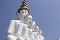 在Wat Phasornkaew的五菩萨雕象 图库摄影
