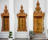 在Wat Pho公开寺庙,曼谷,泰国的古典泰国建筑学 免版税图库摄影