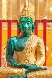 在Wat Phra的莲花坐供以座位的绿色菩萨雕象土井素贴,清迈,泰国 库存图片