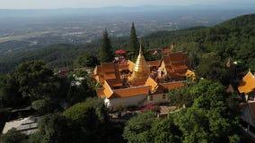 在Wat Phra的鸟瞰图土井素贴寺庙在Chiangmai,泰国 股票视频