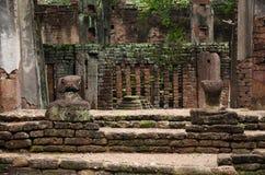 在Wat Phra观看菩萨雕象风景非在Kamphaeng Phet,泰国 库存照片