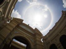 在wat phra kaew,曼谷,泰国的惊人的太阳光晕 免版税图库摄影