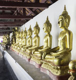在Wat Phra Si拉塔纳Mahathat寺庙, Phitsanulo的菩萨雕象 库存图片