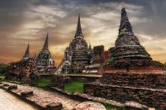 在Wat Phra Sri Sanphet寺庙的古老佛教塔废墟 泰国 免版税库存图片