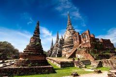 在Wat Phra Sri Sanphet寺庙的古老佛教塔废墟 泰国 免版税库存照片