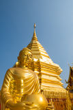 在Wat Phrathat土井素贴寺庙的菩萨雕象在清迈 免版税库存照片