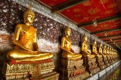 在Wat Po的菩萨雕象 免版税库存照片
