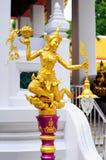 在Wat Pra Kaeo,泰国的金黄天使 图库摄影