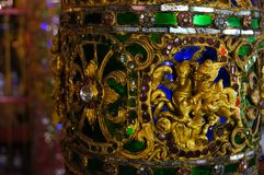 在Wat Sri荣Muang, Lampang,泰国的美丽的柱子 免版税图库摄影