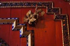 在Wat Sri荣Muang, Lampang,泰国的美好的天花板 库存图片