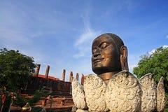 在wat Thammikarat的菩萨头在阿尤特拉利夫雷斯,泰国 免版税库存照片