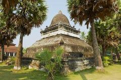 在Wat Visounnarath寺庙的那Mak Mo stupa在琅勃拉邦,老挝 免版税图库摄影