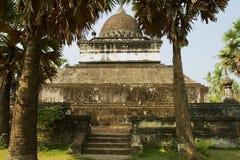 在Wat Visounnarath寺庙的那Mak Mo stupa在琅勃拉邦,老挝 免版税库存图片