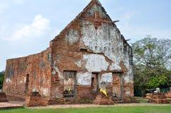 在Wat Wora Chet Tha公羊的被破坏的寺庙 免版税库存照片