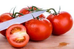 在waterdrops的新鲜的蕃茄 免版税图库摄影