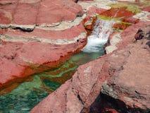 在waterton公园的红色峡谷 库存照片