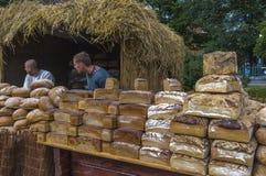 在Wawel城堡旁边的市场 免版税库存图片