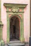 在Wawel城堡的一个绿色门 库存图片