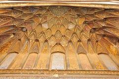 在Wazir可汗清真寺拉合尔,巴基斯坦的伊斯兰教的书法 免版税库存图片