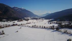 在Weissbriach附近的Gittschtal谷在奥地利从上面在冬天 库存图片