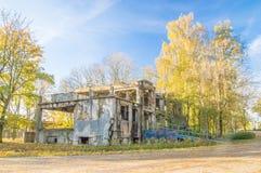 在Westerplatte的老被毁坏的军事大厦在格但斯克在波兰 库存照片