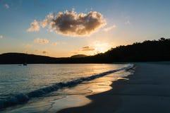在Whitehaven海滩III的日落 库存图片