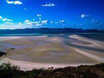 在Whitsunday海岛,澳大利亚上的美丽的白色避风港海滩 图库摄影