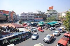 在Wichayanon路的交通 在Kad Luang附近 免版税库存照片
