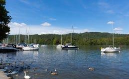 在Windermere湖区Cumbria英国英国的Bowness 免版税库存图片