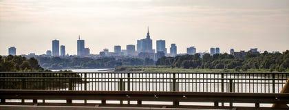 在Worsaw的看法街市从Siekierkowski brigde 库存照片